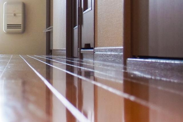 玄関の隙間をふさぐ
